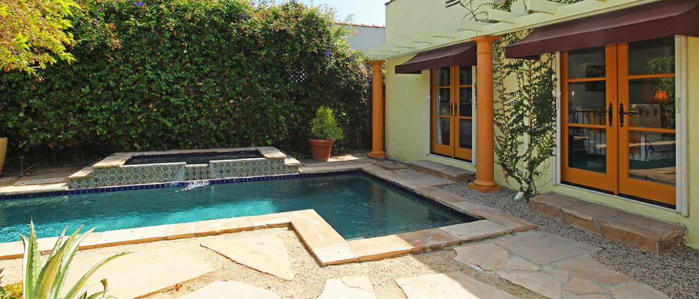 Yard / Pool