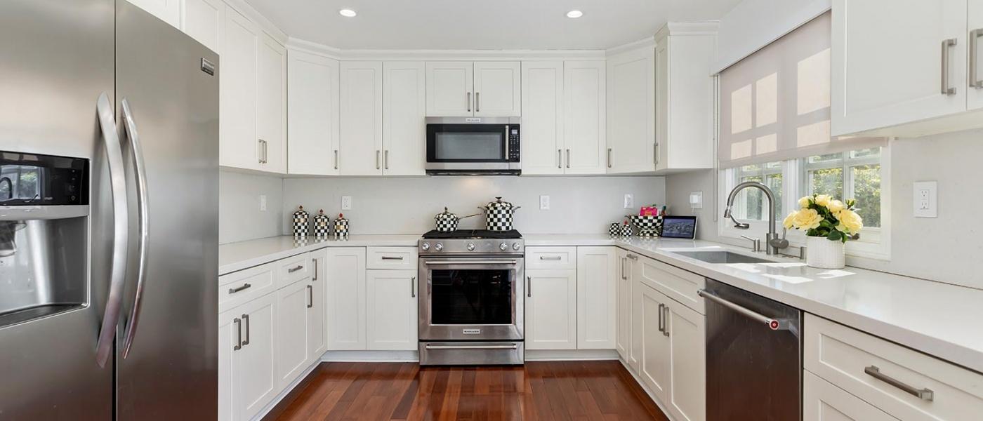 128 Georgina Avenue,Santa Monica,90402,2 Bedrooms Bedrooms,2 BathroomsBathrooms,Condominium,Georgina Avenue,1062